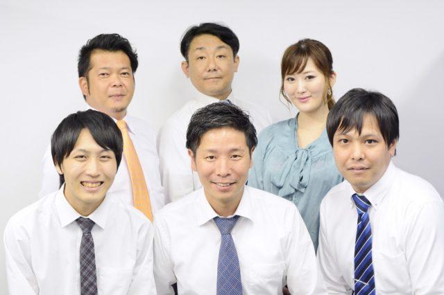 株式会社トップマネジメントの営業スタッフ集合写真