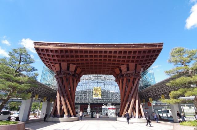 石川県金沢駅前